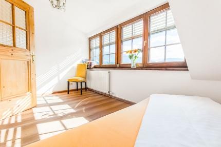 Einzel- bzw. Kinderzimmer – Seevilla Leitner – Urlaub im Ferienhaus – Ferienhaus am See – Urlaub in Kärnten am See