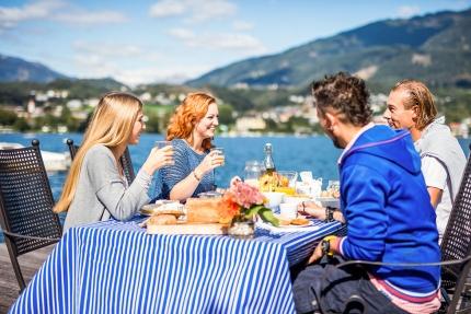 Frühstück am See – Selbstversorger – Urlaub im Ferienhaus – Ferienhaus am See – Seevilla Leitner – Urlaub in Kärnten am See