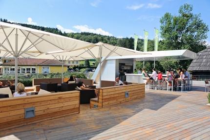 X-Bar – Strandbar am Millstätter See beim Schwesterhotel ROYAL X – Urlaub in Kärnten am See – Ferienhaus am See – Seevilla Leitner – Urlaub am Millstätter See