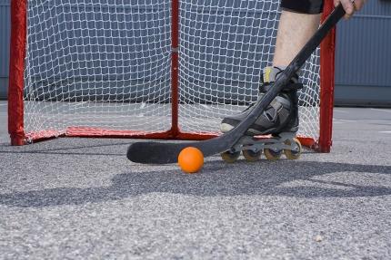 Streethockey am Millstätter See beim Schwesterhotel Sporthotel ROYAL X– Urlaub im Ferienhaus – Ferienhaus am See – Seevilla Leitner – Urlaub in Kärnten am See