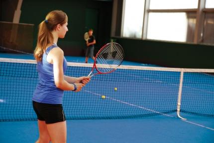 Tennishalle am Millstätter See beim Schwesterhotel Sporthotel ROYAL X – Urlaub im Ferienhaus – Ferienhaus am See – Seevilla Leitner – Urlaub in Kärnten am See