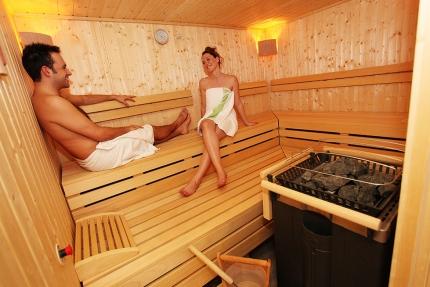 Sauna im Schwesterhotel Sporthotel ROYAL X am Millstätter See – Urlaub im Ferienhaus – Ferienhaus am See – Seevilla Leitner – Urlaub in Kärnten am See