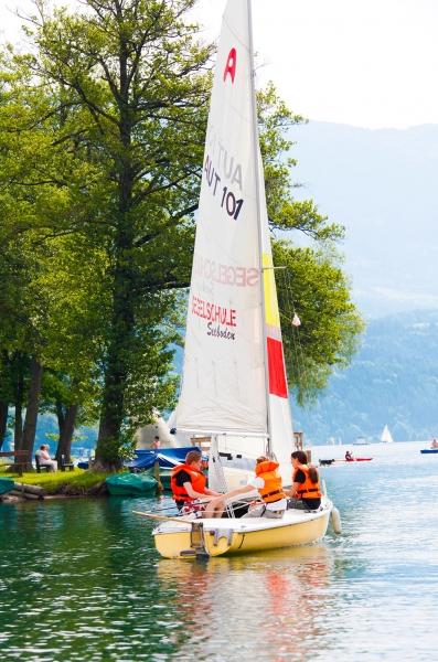 Segelschule am Millstätter See beim Schwesterhotel Sporthotel ROYAL X – Urlaub im Ferienhaus – Ferienhaus am See – Seevilla Leitner – Urlaub in Kärnten am See